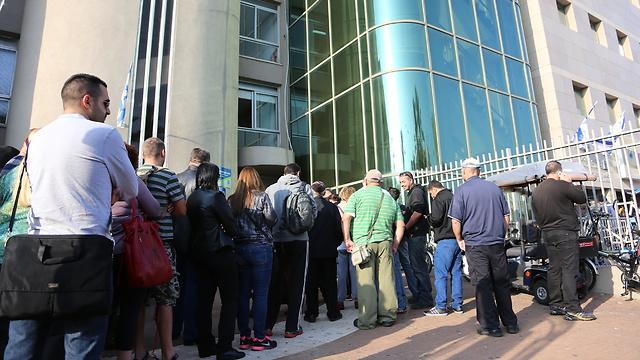 מהו שיעור האבטלה האמיתי בישראל? 5% או 30%?